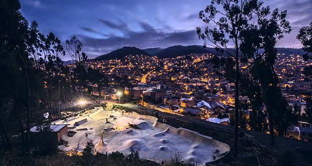 Levis-Skateboarding-Pura-Pura-Skatepark-La-Paz-Bolivia.